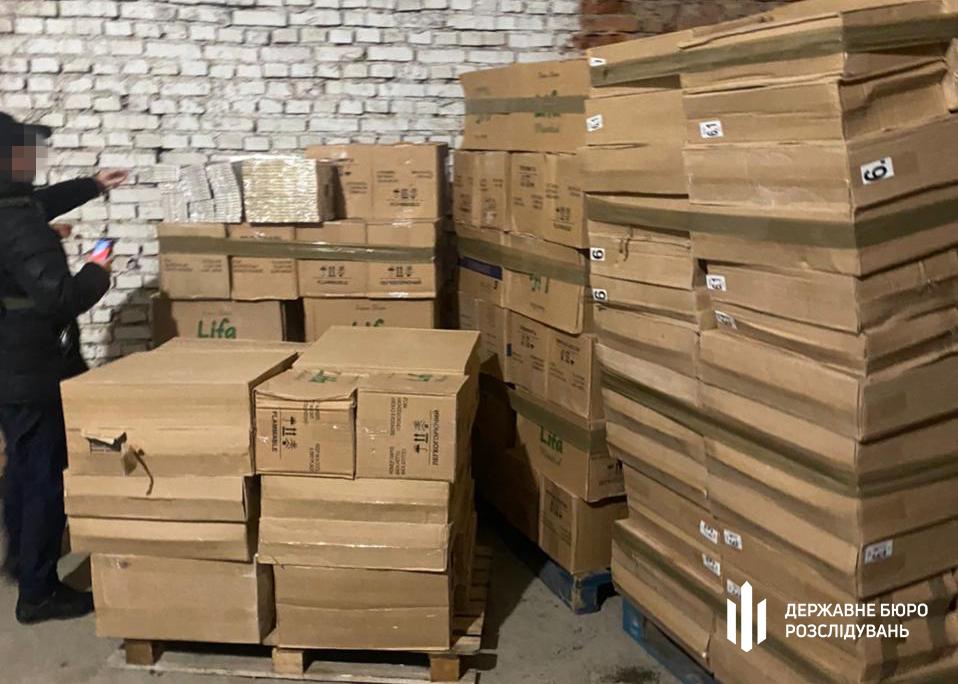 В Измаиле обнаружили крупную партию контрабандных сигарет на 27 млн грн, которые собирались отправить по Дунаю в Венгрию